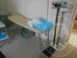 Immagine di SCRIVANIA - MOBILE ARMADIO - PC - CARRELLO MEDICO - LETTINO - BILANCIA MECCANICA ECC LOTTI 13-14-15