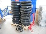 Vari pneumatici moto, cerchione e telaio (lotto 14)