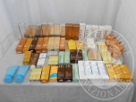 Immagine di Prodotti cosmetici vari tra cui lozioni solari di varie marche e pezzature