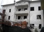 Condominium building in CAPOLONA