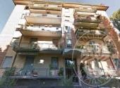 Lotto 4: Piena proprieta' appartamento e pertinenze in Parma