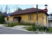Immagine di Immobile ad uso residenziale/abitativo con area di pertinenza.