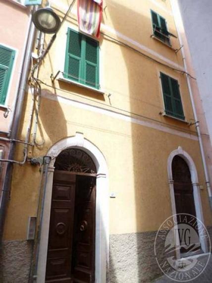 Piena proprieta' appartamento con pertinenza in Lerici (SP)
